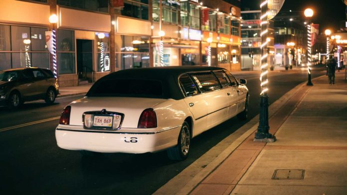 Things-to-Understand-About-Different-Types-of-Limos-on-readcrazy