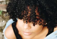 Frizzy-Hair-Tips-to-Tame-&-Care-for-It-with-Ease-on-readcrazy